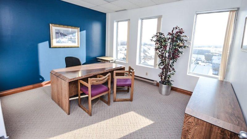 500 boulevard st martin ouest laval trium immobilier. Black Bedroom Furniture Sets. Home Design Ideas